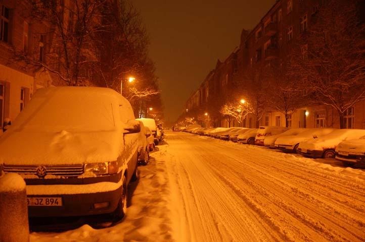 Snowy nighttime_1